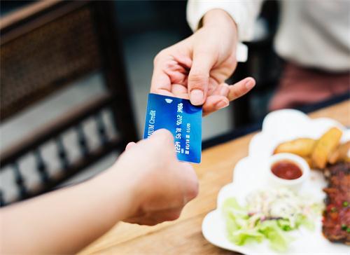万事达信用卡能在境内使用吗?可以在境内取现吗?